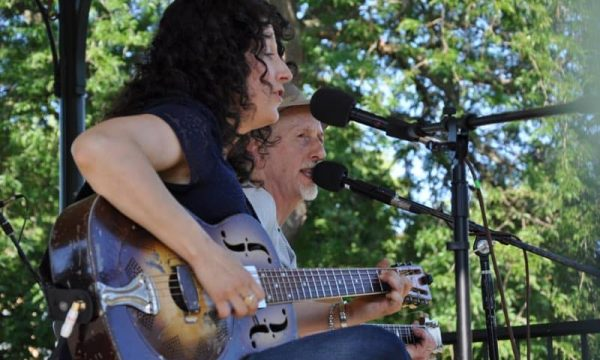 Woodstock-Folk-Fest-Chris-Walz-Donna-Herula-2