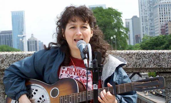 Donna-Herula-Chicago-Bluesfest-Street-Performer