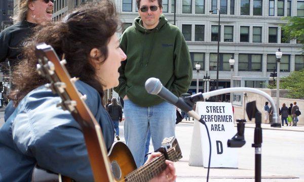 Donna-Herula-Street-Performer